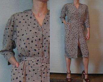 80s CROSS HATCH DOTS vtg Puffed Puff Sleeve Button Down Belted Taupe Black Rayon Blend Dress w/ Pockets s/m Medium m/l 1980s