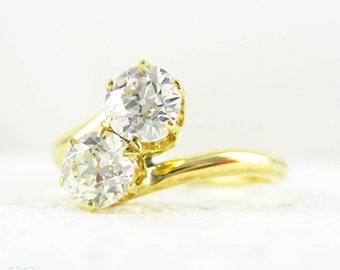 Vintage Toi et Moi Old European Cut Diamond Engagement Ring, Double Diamond Twist Style Ring in 14 Carat Yellow Gold.