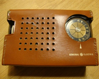 Vintage General Electric GE Transistor Radio with Battery