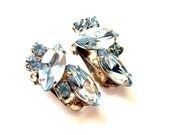 Vintage Costume Jewelry Unsigned Blue Rhinestone Clip On Earrings