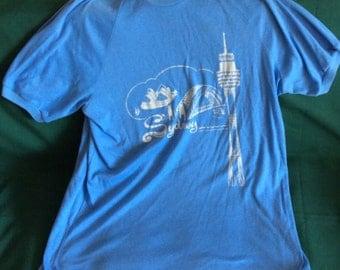 Vintage Mens T-Shirt Sydney Australia Souvenir Shirt Size L 1970s Retro Light Blue Fantastic Graphics