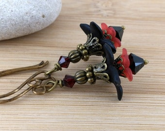Black and Red Lucite Flower Earrings. Antique Brass. Goth Gothic Earrings. Lucite Flower Jewelry