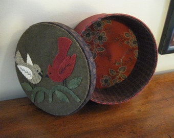 Wool Applique Box with Birds / Keepsake / Treasures / Sewing Pin  Keep / Cushion