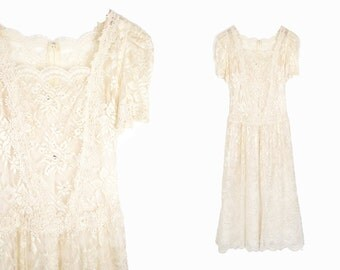 Vintage 80s Lace Wedding Dress in Ivory - size 6