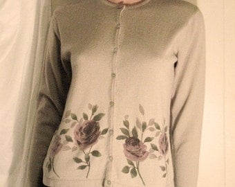 MINT CONDITION  Petite Sophisticate Size Small Cardigan With Rose Design and  Abalone Buttons