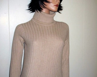 GORGEOUS Classic Cashmere Designer Sweater Made In England MINT