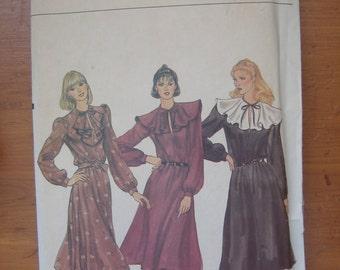 Vogue Pattern 7798, Misses' Dress, Size 10, Bust 32-1/2
