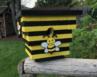 Busy bee birdhouse
