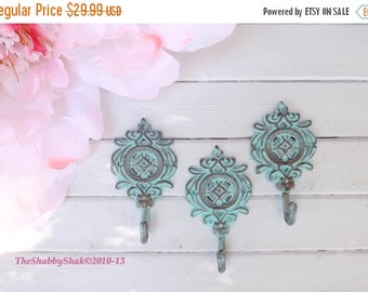 SUMMER SALE Patina Iron Hook / Cast Iron Hook/ Set of 3 /Metal Wall Hook /Metal Wall Decor / Shabby Chic Decor