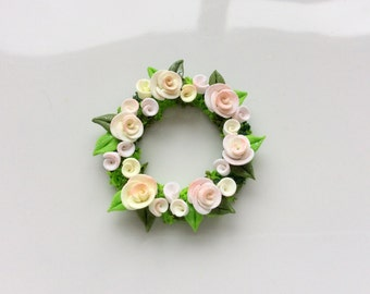 Miniature dollhouse pale peach rose wreath handmade from polymer clay for 1:12 scale