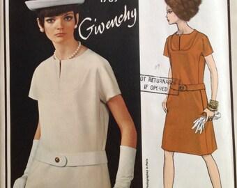 Vogue Paris Original 1789 Givenchy
