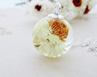 Daisy Necklace, Spring Daisy Resin Globe, White Daisy Pendant, Mothers Day Gift