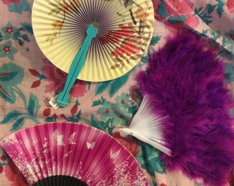 Lot of 5 fans: 2 marabou feather, one American flag, 2 Oriental paper/please see details
