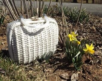 Large Straw Purse, White Handbag, Vintage 1960s Woven Wicker Purse, Trunk Purse, White Spring Bag, White Pearl Bag