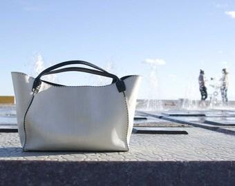 Retro Chic 3 - - BLACK and WHITE handbag