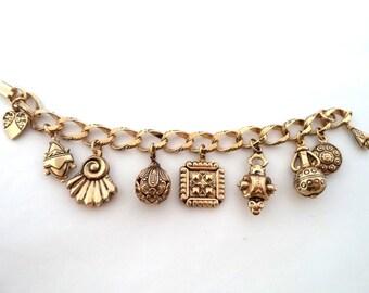 Vintage Antique Gold Tone Dangle Charm Bracelet