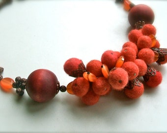 Felt necklace- Necklace with copper- Handmade- OOAK- Felt necklace with beads - Red necklace