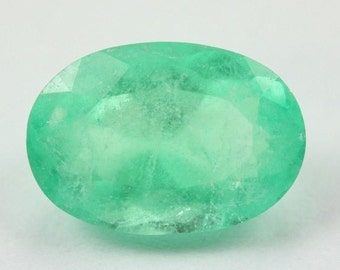 2.86Cts Spring Green Loose Natural Colombian Emerald Oval From Muzo