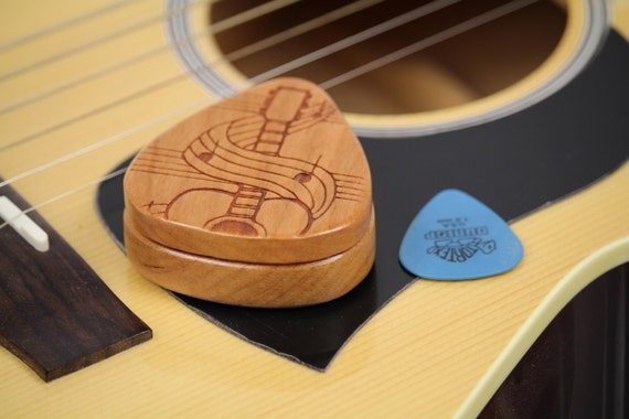 "Swirl Guitar Pick Box, 2-1/4"" x 2"" x 3/4D"", Pattern G33 slender, Solid Cherrywood, Laser Engraved, Paul Szewc"