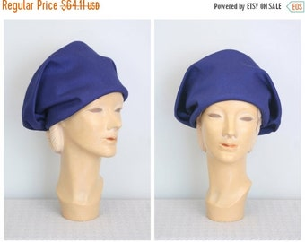 SALE / mint condition 1960s slouch turban hat - bright navy blue cap / Bloomingdales - New York / vintage 60s mod