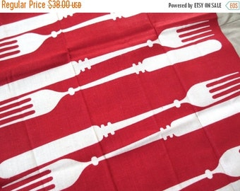 SALE15% Vtg Martex kitchen towel / op art / dry me dry / knife fork cutlery / rayon cotton linen / never used, excellent condition.