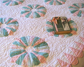 Vintage Quilt Pinwheel Muted Pink And Green Bedding Home Decor Quilt Wall Display Quilt Decor Vintage 1980s