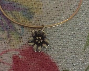 """14kt Gold James Avery Vintage """"Hook-On Bracelet"""" with Retired Vintage """"April Flower"""" Charm Collectables Heirloom"""