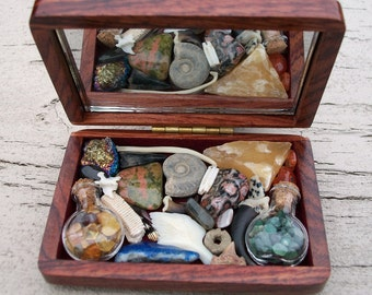 Vintage Iridescent Flower & Wood Grain Jewelry Box Curiosity Collection