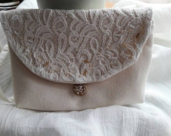 Zipped Bride pouch linen and cotton lace, wedding clutch, embroidery, bridesmaid gift
