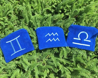 Handmade AIR Zodiac Element zipper pocket pouch Wallet, Aquarius, Gemini, Libra, card pouch, change bag, mp3 player, iPod Na