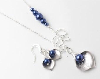 Navy Bridesmaid necklace, Navy calla necklace, navy wedding necklace, bridal necklace, mother of the bride gift, maid of honor gift