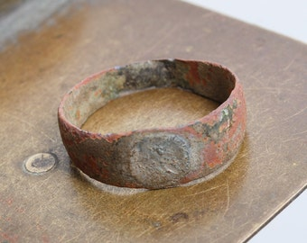 Antique brass bronze primitive ring. Dark patina Size 11