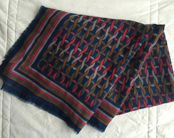 "Vintage 1970s Large Italian Cable Knit Print 45 x 45"" Shawl Scarf"
