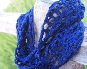 Crochet pattern woman lace loop scarf, flower motif circle scarf, neckewarmer  DIY tutorial Instant download