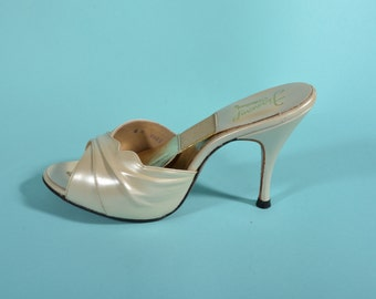 Vintage 1950s Cream Springolator Shoes - High Heel Stiletto - Bridal Fashions Size 8