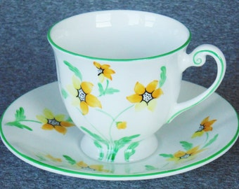 Windsor Bone China Footed Cup & Saucer Yellow Daisies MINT