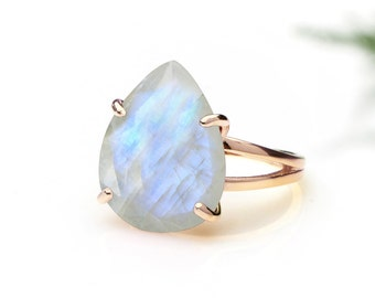 Rainbow moonstone ring,cocktail ring,rose gold ring,teardrop ring,gemstone ring,October birthstone ring,statement ring