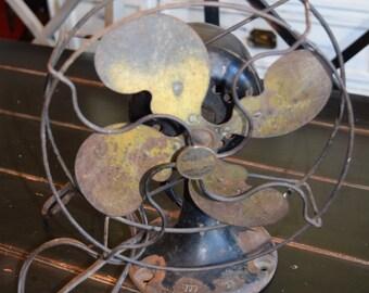 Vintage Fan/ Emerson Fan/ Electric Fan/ Emerson Jr 9 Inch/ Table Fan/ Collectible Display