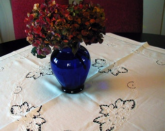 Vintage Madeira White Cutwork Tablecloth Square Floral