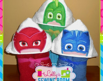PJ Mask hooded towel -  Owlette, Gecko, Catboy - can be personalized