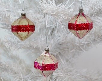 Small Vintage Christmas Ornaments Hexagon Diamond Red Pink Silver Embossed Textured Japan 1950's