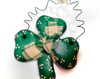 Shamrock Napkin Ring, Party Decor, Hostess Gift, St Patricks Day Napkin Ring , Irish Clover, St Paddys Day Decor, Primitive Irish Decoration