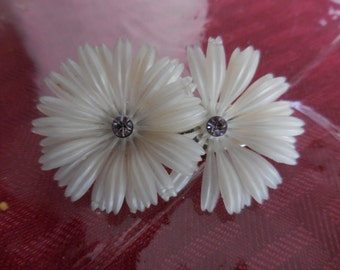 Vintage 1950s to 1960s White Plastic Flower and Rhinestones Hair Barrette Accessory Girls