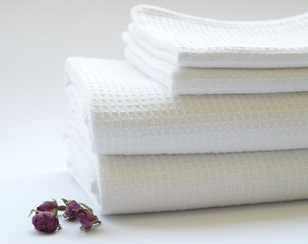 SALE. Pure Linen Bath Towels. White. Set of 4. 2 Hand towels + 2 Bath Sheet.