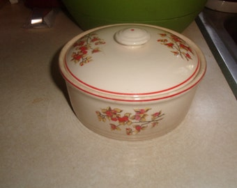 vintage universal cambridge pottery covered bowl berries