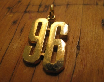 BOLD gold shiny 96 pendant / charms