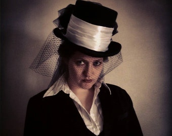 Victorian riding top hat in black