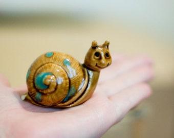 Vintage 1975 - Cute Little Ceramic Snail Ornament