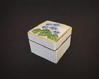 Vintage Trinket Box, Lenox Trinket Box, Lenox Decor, Home Decor, Lenox China, Home Accent, Bedroom Decor, Vanity Decor, Living Room Decor