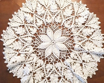 Christmas in July Vintage White Crocheted Doily, Crocheted Doily, Vintage Doilies, Round Doilies, Vintage For The Home, Vintage Home Decor